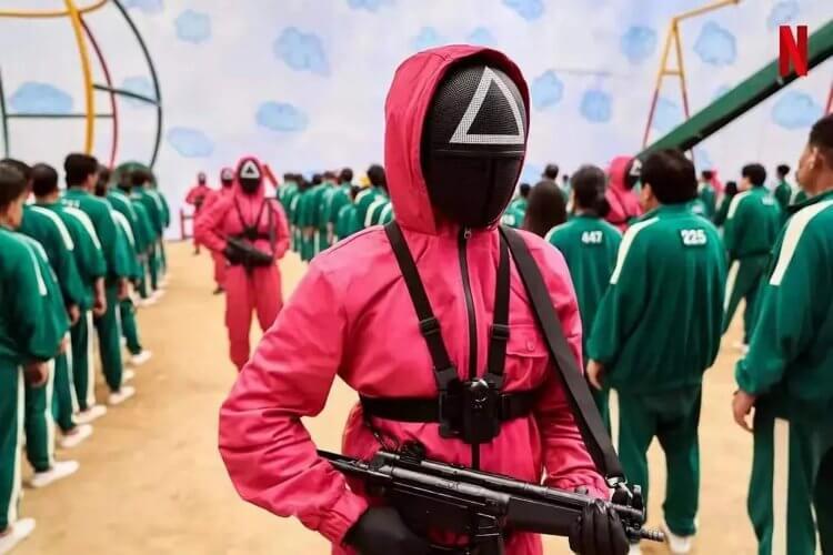 (殺人不眨眼的持槍風紀組,直接對玩家們產生心理壓迫。)