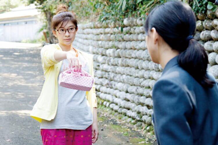 篠原涼子、芳根京子主演的電影《今天也要用便當出擊》改編自發行過便當食譜的網友真人真事。。
