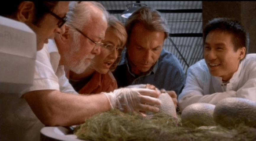 為什麼《 侏羅紀公園 》裡要復活 恐龍 ?