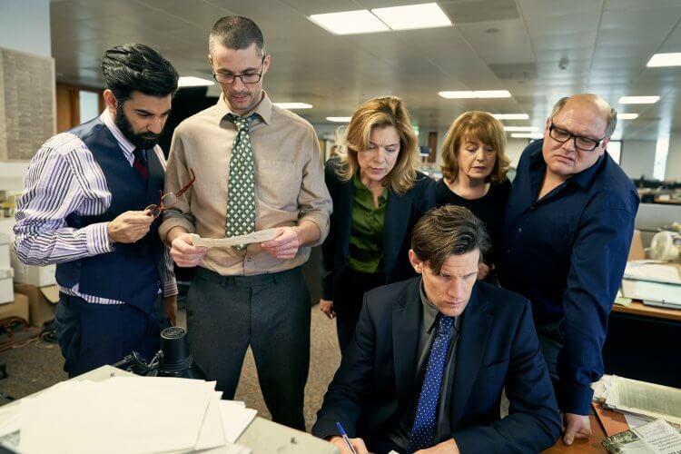 改編真人真事的政治電影,蓋文胡德導演,綺拉奈特莉主演的電影《瞞天機密》劇照。