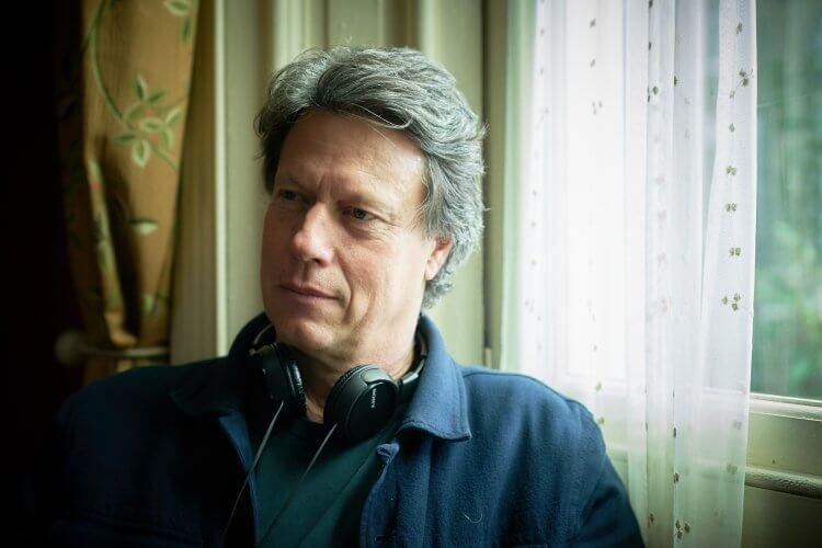 以真實事件改編的電影《瞞天機密》由曾獲奧斯卡最佳外語片的南非導演蓋文胡德執導。