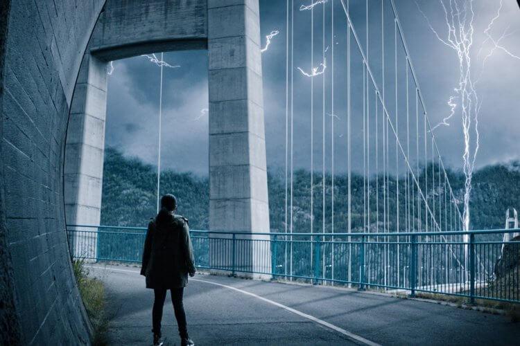超能追緝-劇照-電影拍攝時-將挪威當地的-哈當厄大橋-封鎖五天-拍出許多震撼場面
