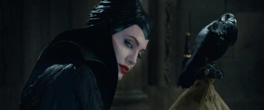 安潔莉娜裘莉 在《 黑魔女 》之後傳將繼續接演 迪士尼 經典童話系列電影。