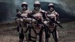 階級制度的倖存者社區!《陰屍路》第十季出現的軍隊組織「聯邦」原作設定為何?