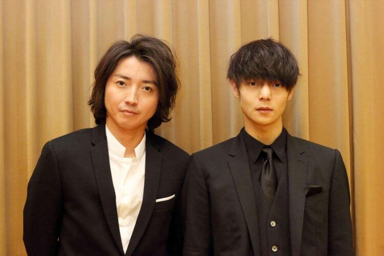 都飾演過漫改影劇《死亡筆記本》主角夜神月的日本男演員藤原龍也(左)與窪田正孝(右)。