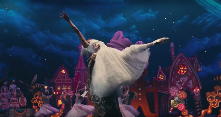 迪士尼再度推出真人童話作品《胡桃鉗與奇幻四國》。