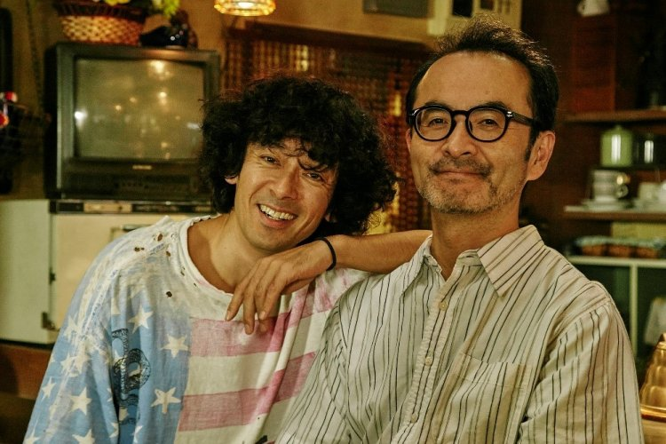 《古瀧兄弟出租中》由古館寬治及瀧藤賢一主演。