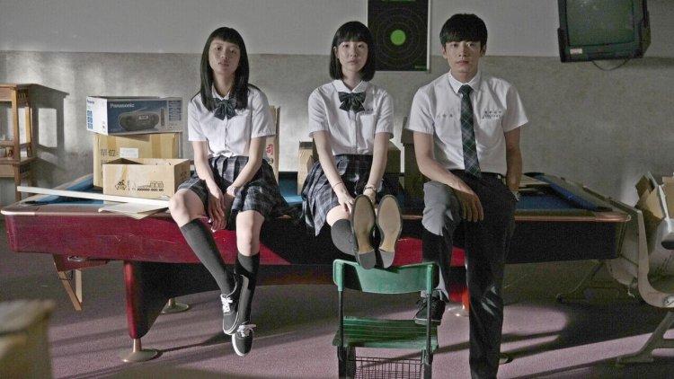 我就邊緣!宋柏緯王渝屏電影《哈囉少女》當「邊哥」「邊妹」竟讓校園小圈圈勢力大大洗牌?首圖