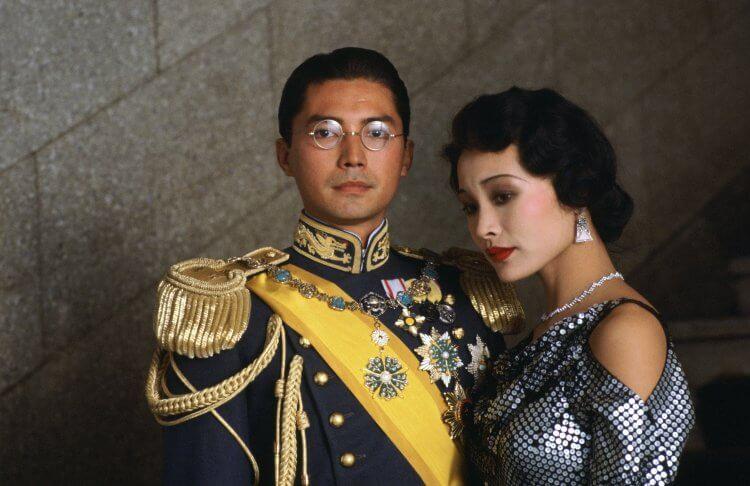 國際影星尊龍演出史詩電影《末代皇帝》溥儀,以精湛演技入圍美國金球獎劇情類最佳男主角。