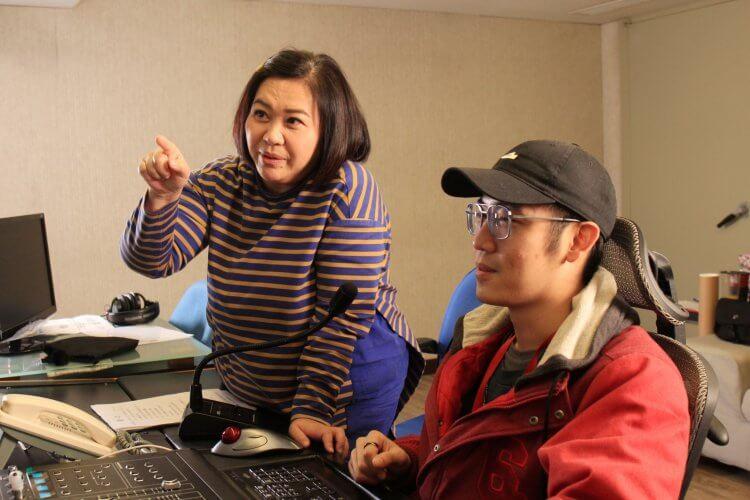 《銀龍出任務》飛克中文配音鍾欣凌錄音室照片。