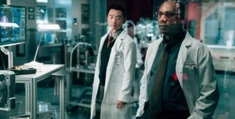 DCEU 中,第三代原子俠蔡瑞安。