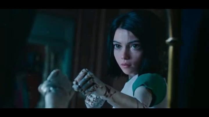 票房搶奪戰-《 水行俠 》《 大黃蜂 》等五部大片年底開打!, 其中一部為《 艾莉塔:戰鬥天使 》