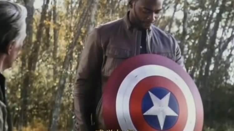 酷寒戰士哭哭!為何電影世界觀選擇山姆而跳過巴奇來繼承美國隊長?