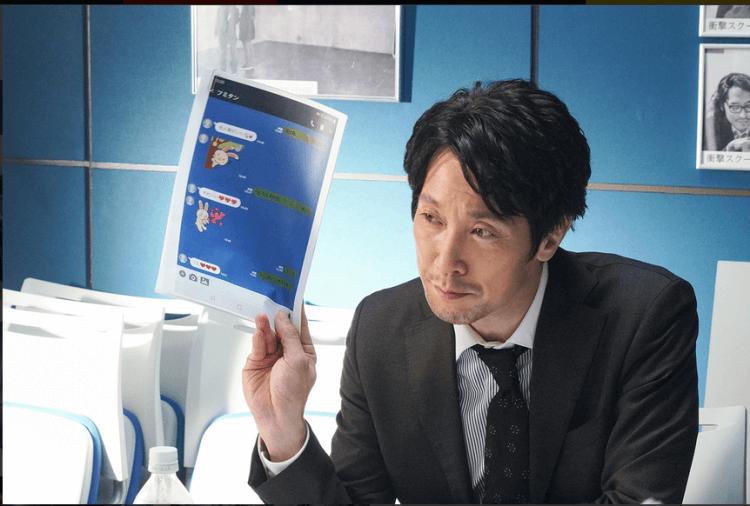 《不知道也無妨》中「EAST 週刊」總編輯由佐佐木藏之介飾演。