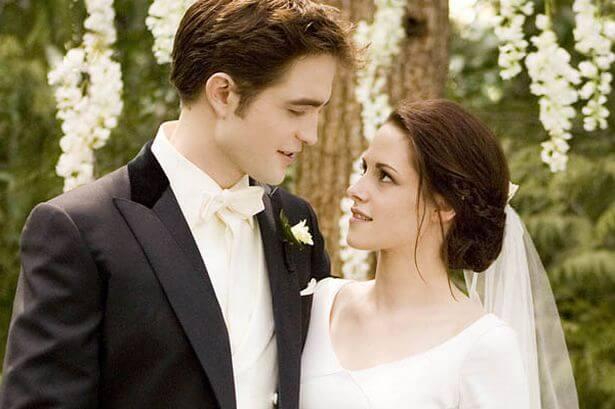 《暮光之城》中吸血鬼的禁忌之戀曾是全球少女的夢想。
