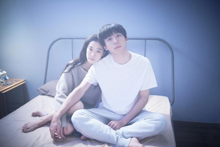 日本電影《愛情人形》由高橋一生及蒼井優主演。