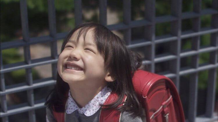 在電視劇《Mother》中年僅五歲的蘆田愛菜,不僅演技驚人,可愛形象也深植人心。