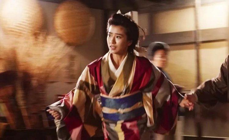 黑島結菜在《王牌辯士》飾演主角俊太郎的青梅竹馬梅子。