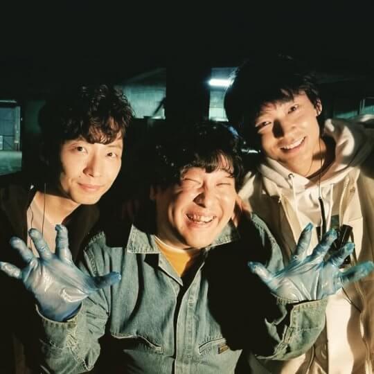 日本創作歌手岡崎体育也在日劇《MIU404》登場。