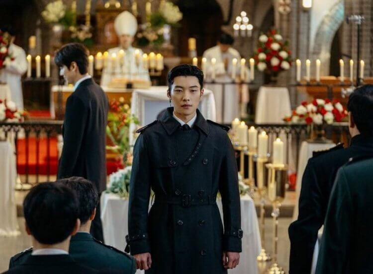 《偉大的誘惑者》男主角 禹棹煥 有也有演出《The King:永遠的君主》。