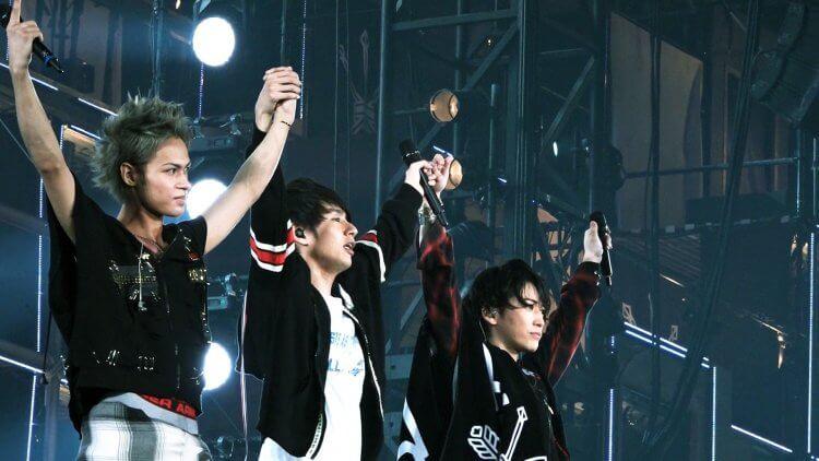 傑尼斯偶像團體 KAT-TUN 歷經各種風波,現任團員龜梨和也、上田龍也、中丸雄一一路走來最是艱辛。