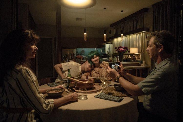 班曼德森在電影《謝謝你愛過我》飾演陪伴愛女走完人生旅途的父親。