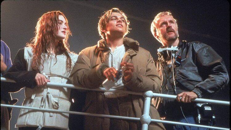 《鐵達尼號》導演卡麥隆(右一)與兩位主角。