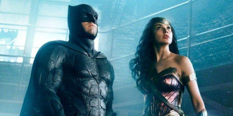 《正義聯盟》蝙蝠俠與神力女超人。
