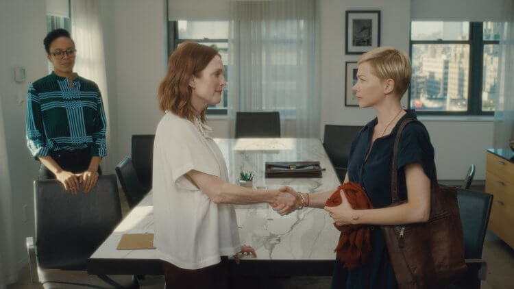 改編自奧斯卡最佳外語片提名之丹麥電影《婚禮之後》,茱莉安摩爾(左)與密雪兒威廉絲(右)主演的新作《 你願意嫁給我老公嗎? 》劇照。