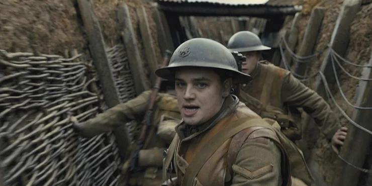 山姆曼德斯《1917》裡,迪恩查爾斯查普曼飾演奉命傳訊的下士布雷克。