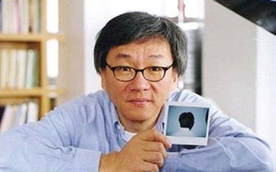台灣首位獲得坎城影展最佳殊榮,已故導演楊德昌。其作品《牯嶺街少年殺人事件》《一一》於 Netflix 平台上架供線上看。