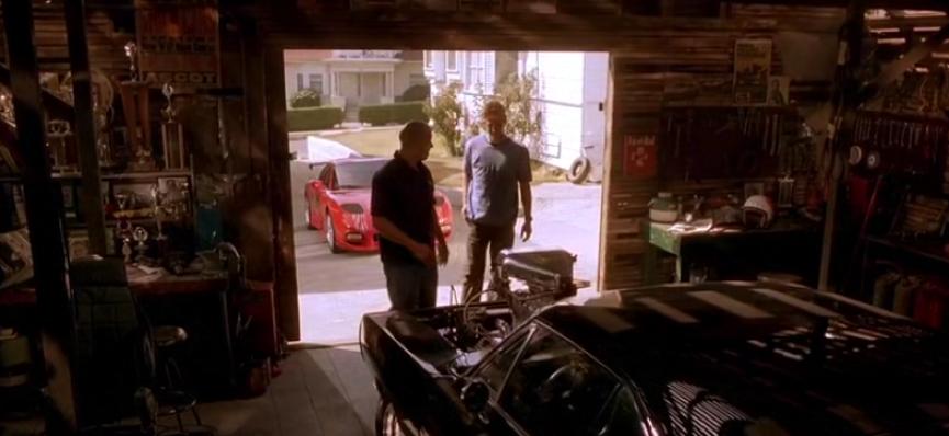 《 玩命關頭 》電影系列中, 唐老大 曾在父親的愛車前,向布萊恩 (保羅沃克 飾) 告白自己對 速度 的渴望。