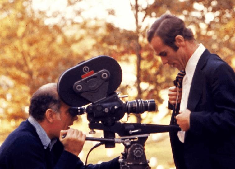 米爾頓金斯堡拍攝《華盛頓狼人》的現場花絮照片。