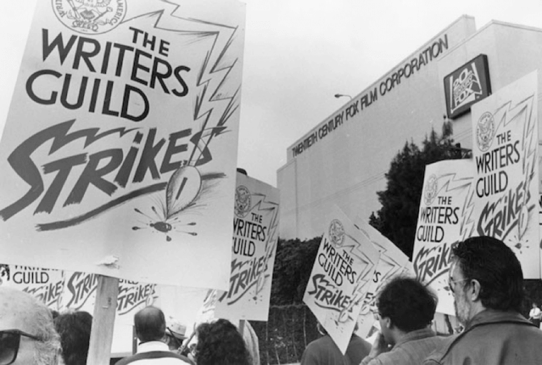 1988 年的好萊塢,曾發生過編劇們為爭取合理待遇與權益,集體罷工的事件。