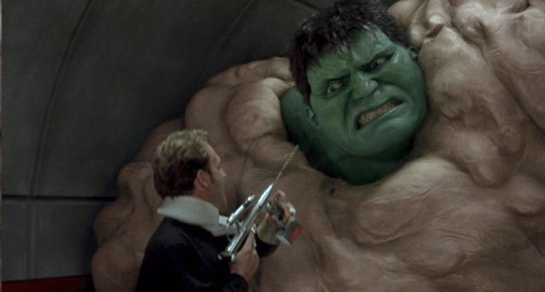 2003 年由環球影業製作發行的漫威超級英雄電影《綠巨人浩克》。