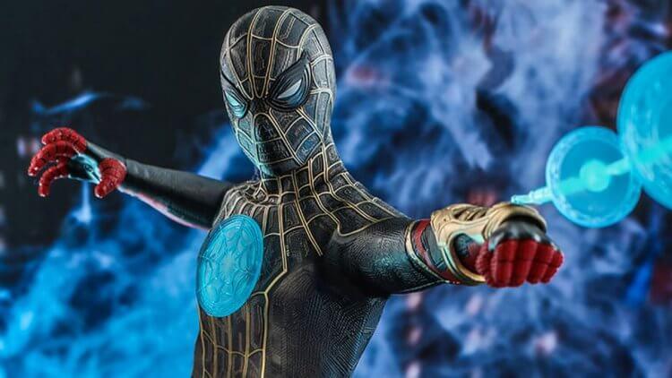 《蜘蛛人:無家日》最新商品照曝光!彼得帕克黑金戰衣,首現「奇異博士」魔法風格攻擊首圖