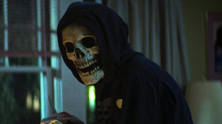 【影評】《恐懼大街 1:1994》:躲過殺人魔大軍的追殺,然後扔掉所有遊戲規則首圖