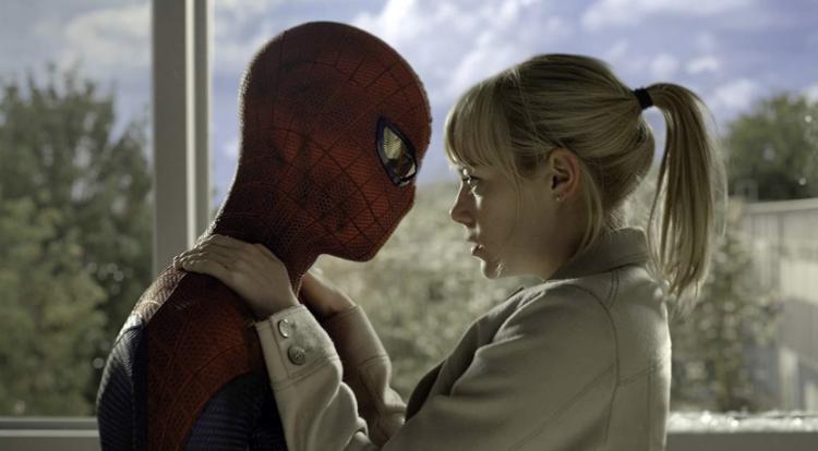 2012 年超級英雄電影《蜘蛛人:驚奇再起》由安德魯加菲爾德 (Andrew Garfield) 飾演新一代蜘蛛人。