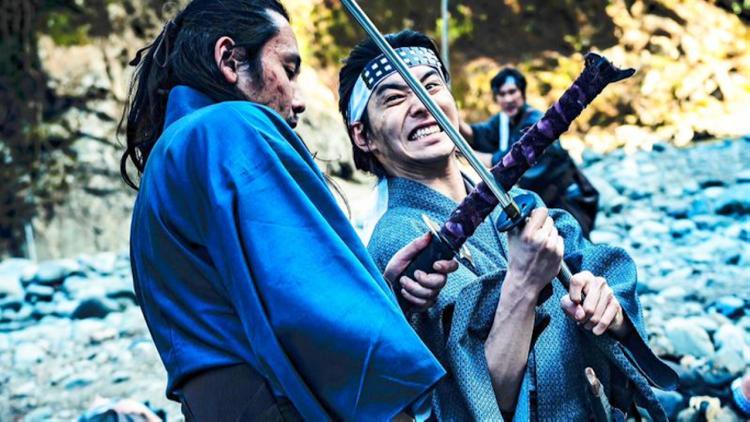 宮本武藏一個斬 400 個!日本動作電影《狂武藏》好狂,77 分鐘「一鏡到底」武打場面描述武士致命決戰首圖
