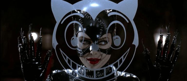 《蝙蝠俠大顯神威》中,由蜜雪兒菲佛飾演的貓女。
