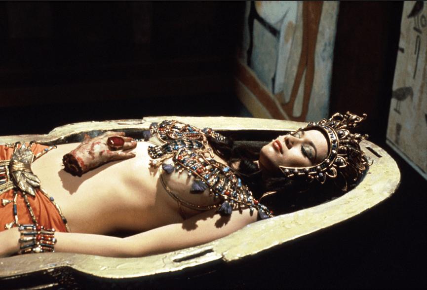 很黃很暴力 的《 木乃伊之血 》,艷麗的埃及公主由薇樂莉李昂 (Valerie Leon) 飾演。