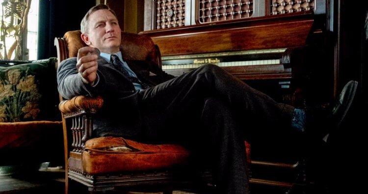 丹尼爾克雷格表示電影《鋒迴路轉》劇本本身的有趣,讓他的搞笑演出能順利完成。