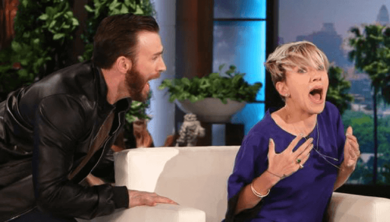 克里斯伊凡和史家蕾喬韓森戲裡戲外老交情,連上節目都要來個幼稚一「嚇」。