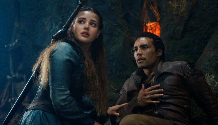 Netflix 原創自製影集《天命之咒》(Cursed) 的故事背景即為「亞瑟王」傳說。