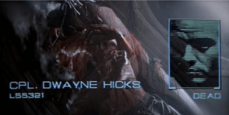麥可賓恩在電影《異形3》中領便當。