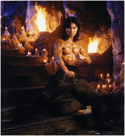 仇雲波演出電影《魔宮帝國》。