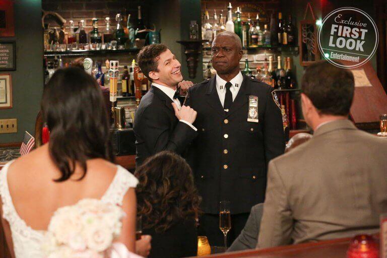 外媒 EW 公布的《荒唐分局》第六季首波劇照。