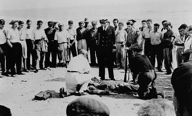 二戰期間英軍以「肉餡行動」(Operation Mincemeat) 誤導德軍判斷的相關記錄照片,此事將改編電影由柯林佛斯主演。