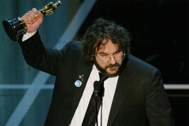 彼得傑克森因《魔戒》三部曲而聲名大噪,也憑藉該系列斬獲多項奧斯卡大獎。