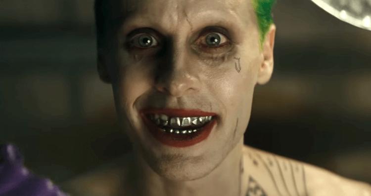 傑瑞德雷托曾在 2016 年 DCEU 作品《自殺突擊隊》中飾演小丑,而 2019 年華納將再推瓦昆菲尼克斯版《小丑》電影。